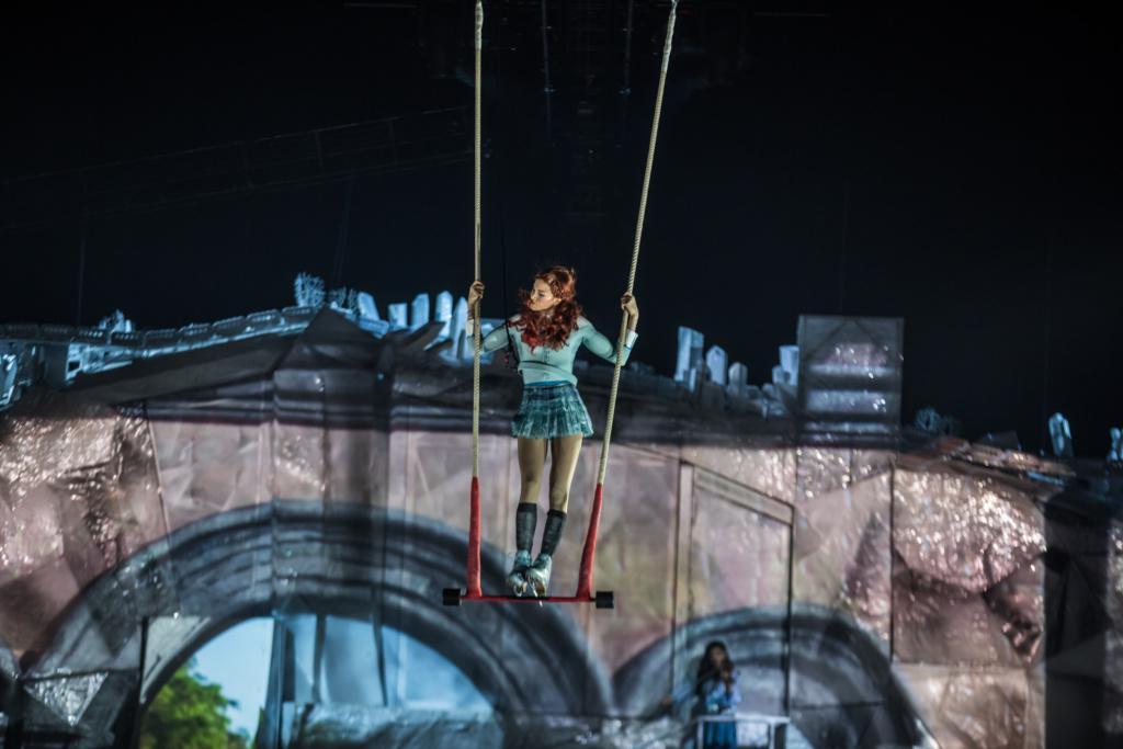 Swinging Trapeze 2 - Photo by Matt Beard 2018