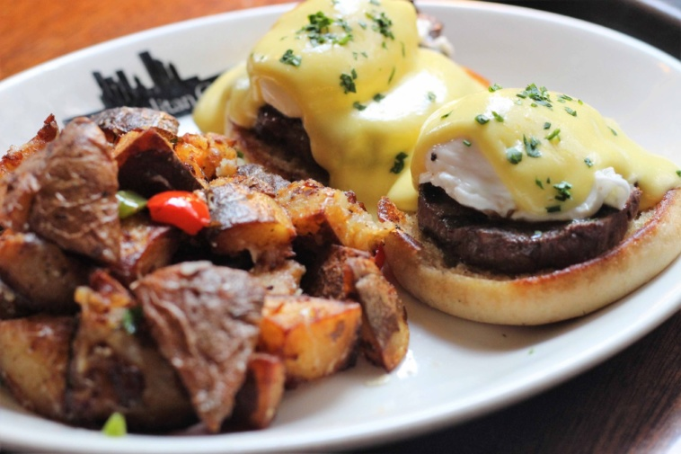 Metropolitan Grill Benedict_photo_ by Catherine Hyland